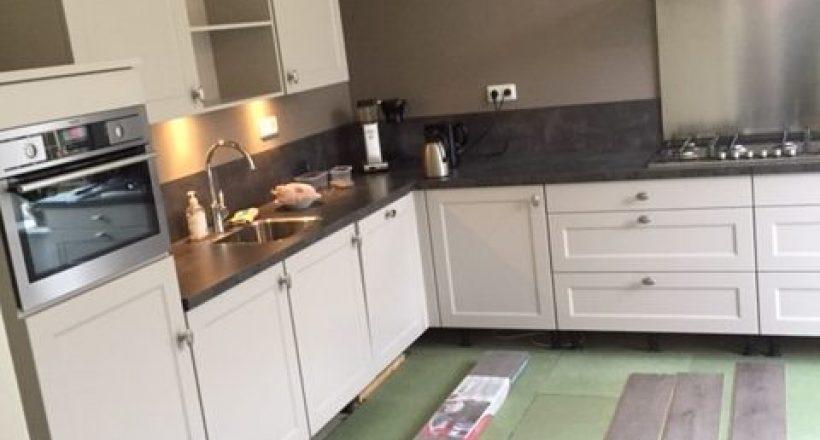 Plaatsen nieuwe keuken