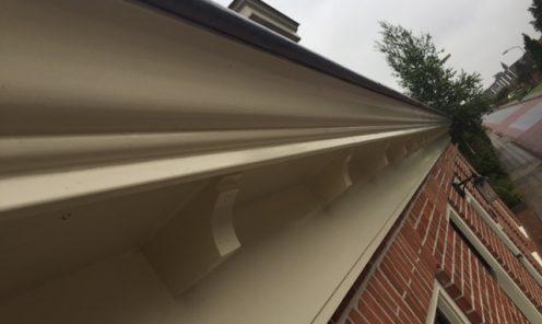 Schoonmaken dakkapel en goten